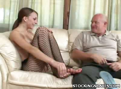 Sex Movie of Stocking Babe Gets Her Toes Licked