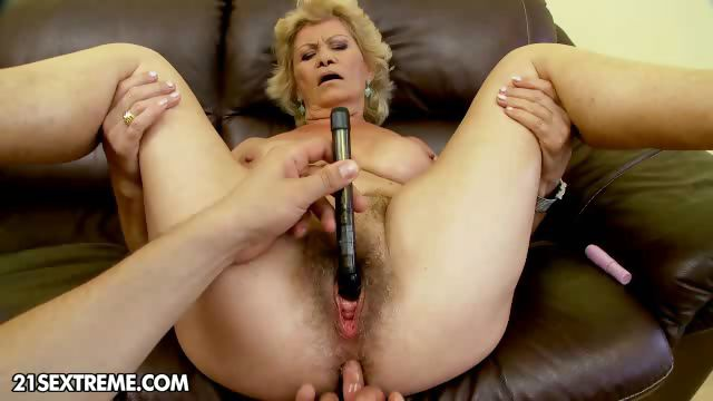 Porno Video of Bang The Granny!