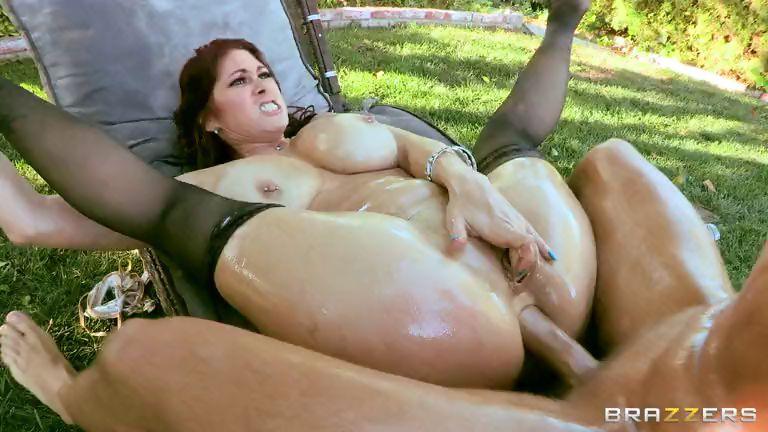 Porno Video of Oiled Cougar