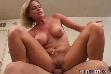Porno Video of I Wanna Cum Inside Your Mom