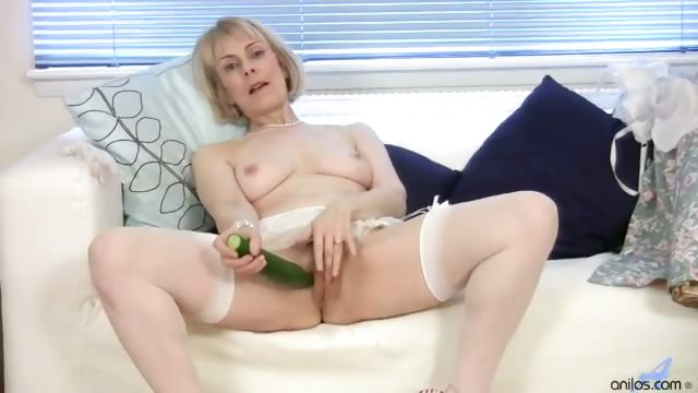 Porno Video of Horny Granny Cucumber Pussy Penetration