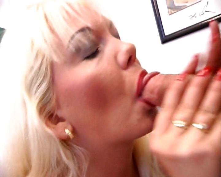 Porno Video of Nasty Blonde Nurse Trades Some Head With The Doctor Then Pumps His Cock And Gets Stuffed With A Speculum