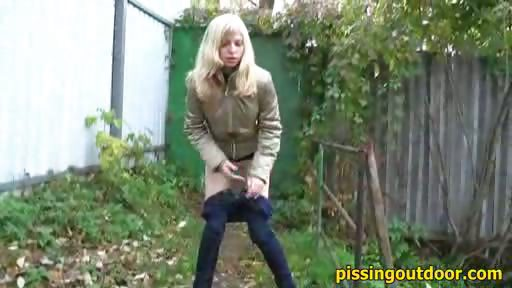Porno Video of Garden Blonde Pissing