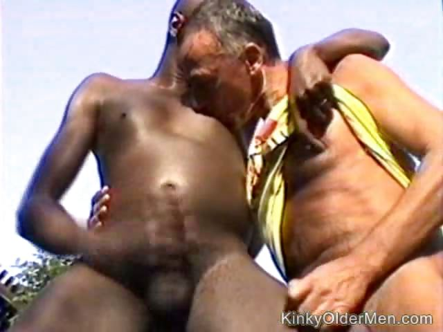 Porno Video of Old Man Is Outdoors Playing With His Black Lover