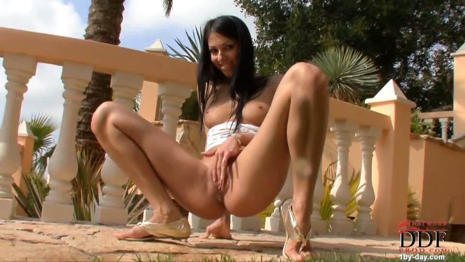 Porno Video of Brigitte Hunter Aka Britney Is Back For Her Seventh Appearance On Our Site, Once Again Displaying Her Luminous Smile And Amazingly Round Ass. This Time She's Posing Outside As The Sun Is Going Down, And Slipping Out Of Her Short Skirt Under Which She Wear