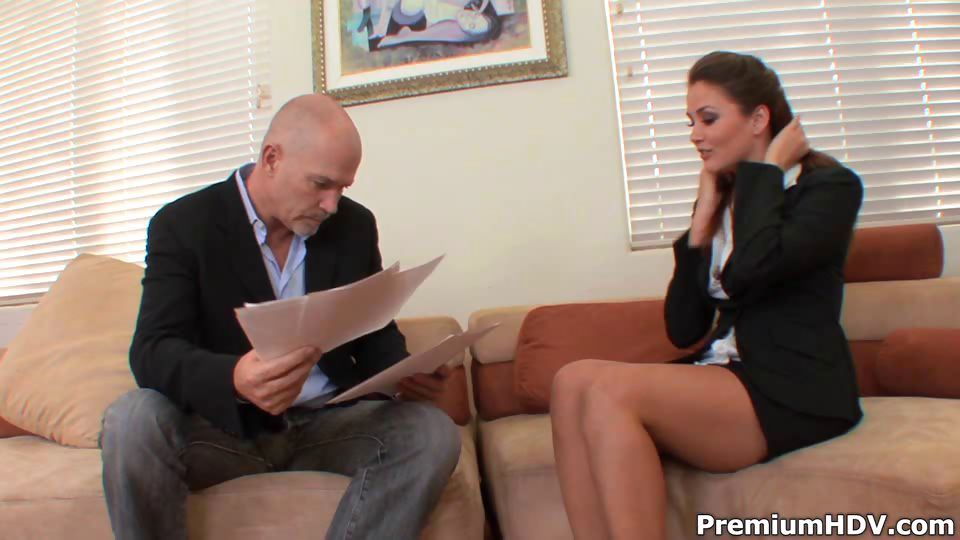 Porno Video of Allie Haze Provides Full Boss Service