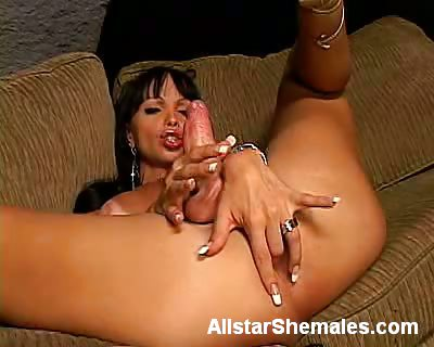 Porno Video of Carla Plays With Her Shemale Meat