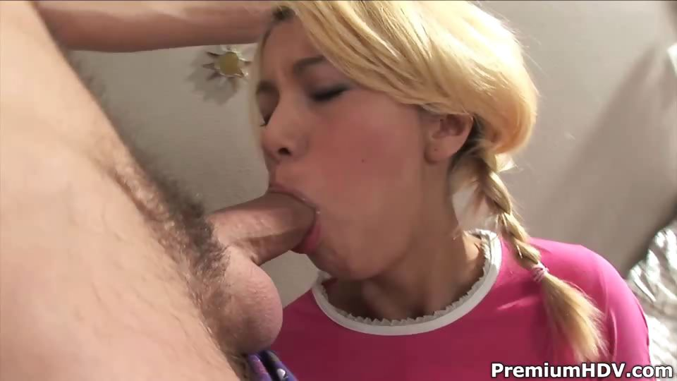 Porn Tube of Carolina Spreads Her Holes With Pleasure