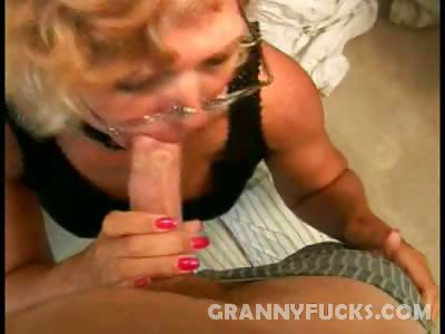Porno Video of Online Granny Lover