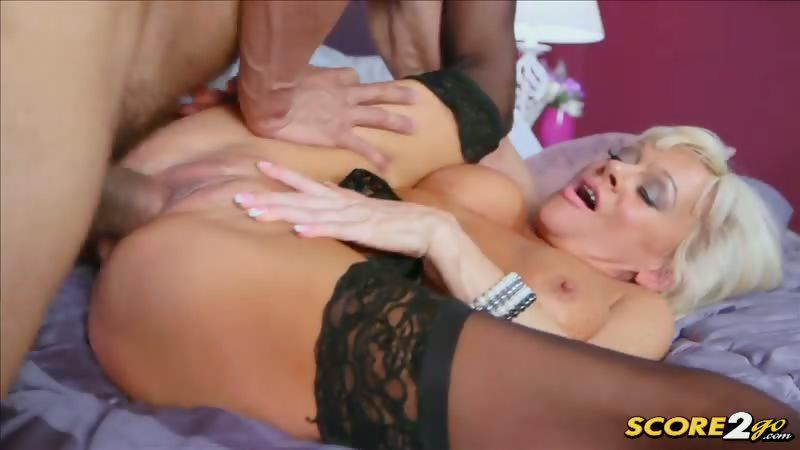 Porno Video of Farrah Rose Eats Her Creampie