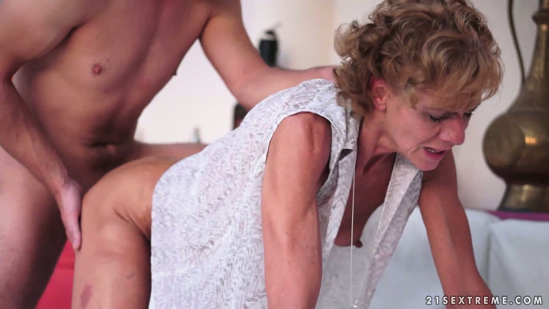 Porno Video of This Wrinkled Momma Is Still A Good Model For Some Hardcore Porn