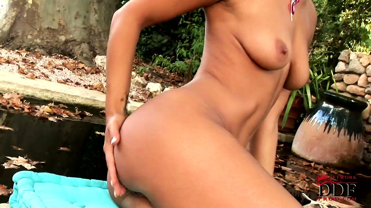 Porn Tube of Sweet Brunette Outdoors Posing Her Hot Body, Stripping And Rubbing