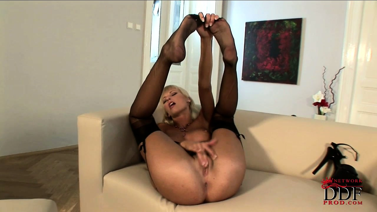 Porn Tube of Sexy Blonde Milf Gets Horny Playing With Her High Heels And Sexy Stockings