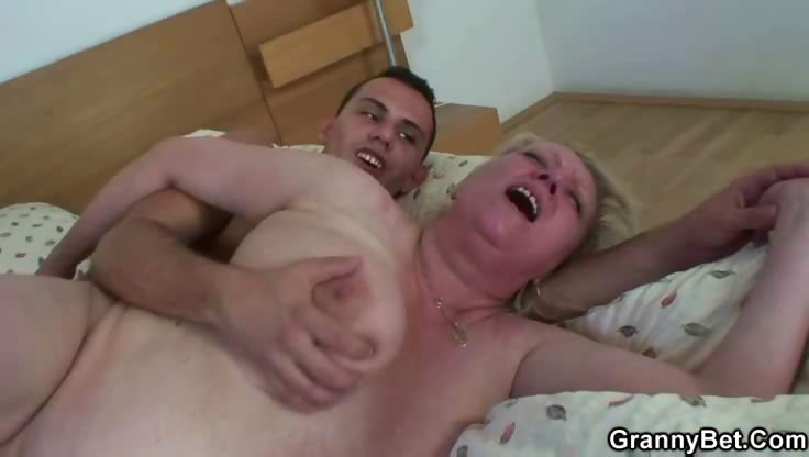 Porno Video of Lusty Granny Pussy Fucked