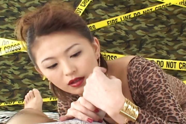 Porno Video of Cute Asian Babe Gives Him A Great Blowjob And Gets A Mouthful