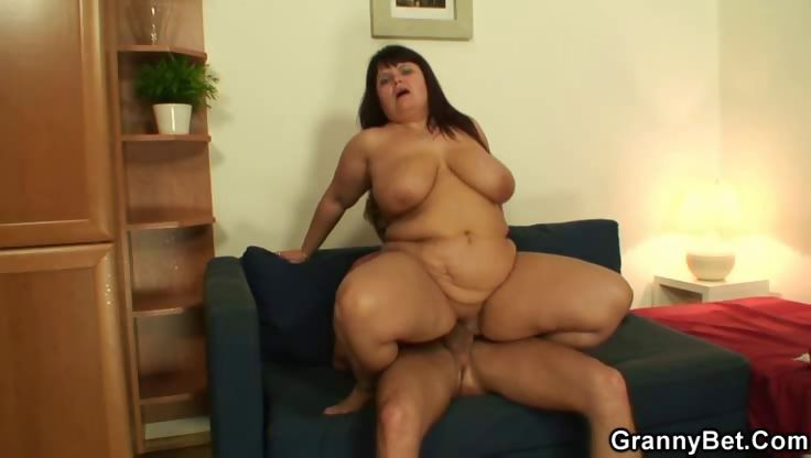 Porno Video of Banging Naughty Mature