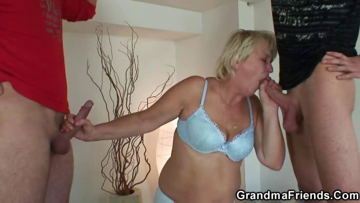Porno Video of Awesome Sex With Granny