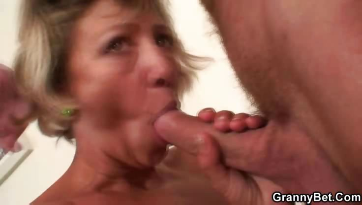 Porno Video of Hot Orgasm With Mature Slut Girl