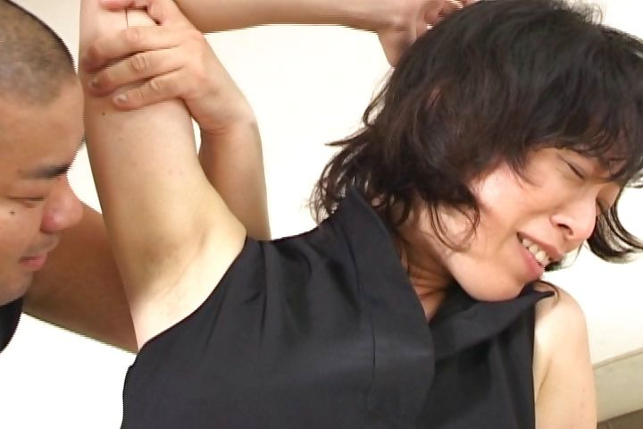 Porno Video of Hot Japanese Babe Gets Her Hairless Armpit Licked And Sucked