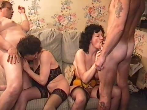 Sex Movie of Housewife Threesome