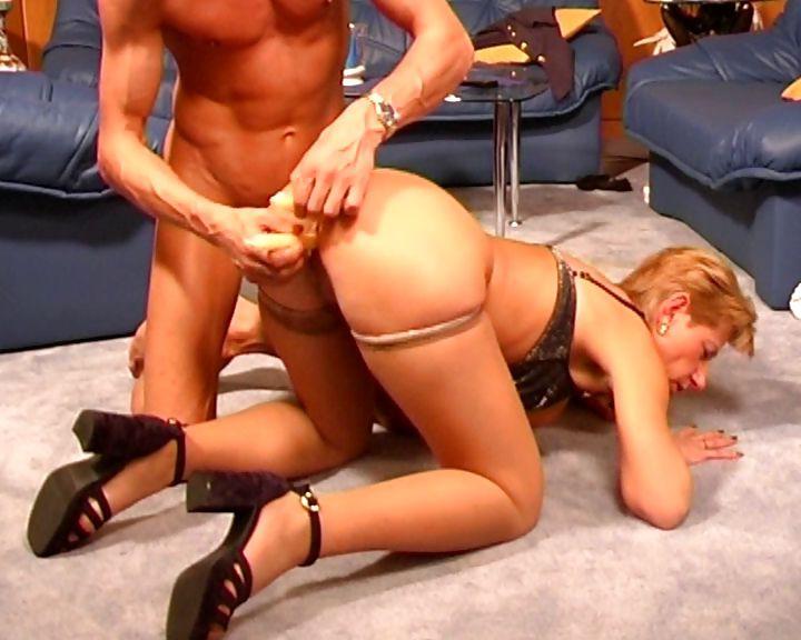 Porno Video of German Cougar Fucks And Gets Candles In Her Ass And Pussy